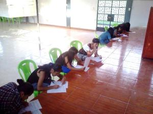 Alumnas spending their Saturday afternoons taking the Ministry of Work's Vocational Exam.